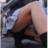 コスプレ2016冬スカートの中見えちゃってますwしゃがみ【動画】イベント編 2894