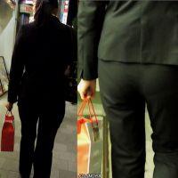 20代前半ピタパンお尻OLスーツ姿で夜の街を歩く【動画】街撮り編 1005と1002セット販売