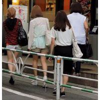 生脚ショートパンツ私服姿で街をブラブラ茶髪2人組【動画】街撮り編 1003