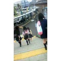 階段をおりる女子校生バス停に向かう女子校生【ストーキング動画】街撮り編 107
