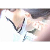 【チクチラ】vol.36 おっぱいまで休憩中の女の子【乳首・胸チラ】