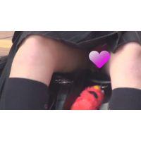 純粋現役パンツ見せ(動画)