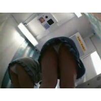 【個人撮影】JKのプリクラ中を下からのぞいちゃいました