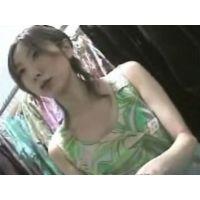 【個人撮影】店員のお姉さんの胸チラ 03