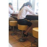 【就活】ブラウス姿で靴パカを見せつける露出魔リクスー女子大生様レア画像集