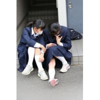 制服女子校生達の修学旅行風景 File016