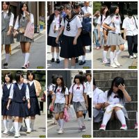 制服女学生達の修学旅行風景No.003