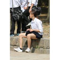 制服女子校生達の修学旅行風景 File032