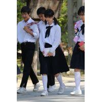 制服女子校生達の修学旅行風景 File030
