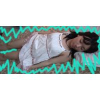 素人女子大生1年生ユメカ18歳はミスニーソックス、美脚・色白・スレンダー・黒髪・ちっぱい