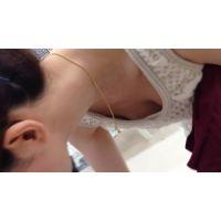 【HD】胸チラ動画050