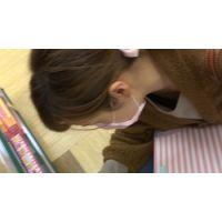 【フルHD】リアル胸チラハンターvol.895