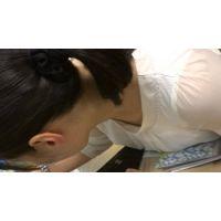 【フルHD】リアル胸チラハンターvol.1447