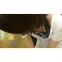 【フルHD】リアル胸チラハンターvol.1372