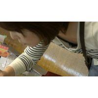 【フルHD】リアル胸チラハンターvol.890