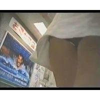 【HD】JK・追っかけパンチラ-74