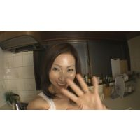 [素人熟女]美香(仮名) 自画撮りオナニー!若い浮気相手に贈ったプライベートビデオ、流出。