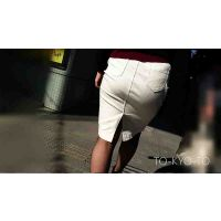 【FHD 60p】女子大生のお尻59:服飾専門学生のパツパツ白タイトスカートのボテ尻