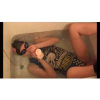 「トライアスロンレオタード」で水中プレイ ムービー