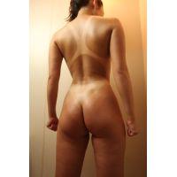 「競泳水着の日焼け跡」