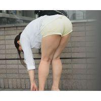 セクシーホットパンツ美女 プリプリヒップを触りまくり&チ○コを押し付けザーメンぶっかけ!! Part1