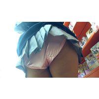 【セット販売】女子校生パンチラ痴漢 超ミニスカ制服JKの激エロなパンモロを盗撮&パンツの中に手を入れてアソコ触りまくり!!