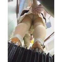 【フルHD】靴カメ君が行くPart358【色々お姉さん手撮りめくりあり編】