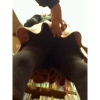 【フルHD】靴カメ君が行くPart8【スカートめくり】