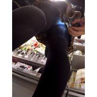 【フルHD】靴カメ君が行くPart332【黒パンストお姉さん手撮りめくりあり編】