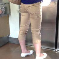 ロン爺のピタパン女がゆく40 食い込み彼女を電車で密着