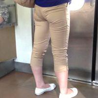 ロン爺のピタパン女がゆく 食い込み彼女を電車で密着