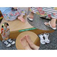 【夏に咲く花3】 清潔感のあるキレイな足花も、よく見てみると・・・!?
