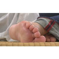 【Around40 完熟足7】 地域で有名なラスボス的熟デカ女の巨大生足裏を接写ッ!!