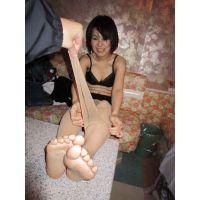 【雌豚調教2】 お前の足マジで臭ぇんだって!!・・・いやん、そんな言うならすぐ風呂入るし!!