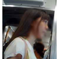 ★殿堂5★めっちゃ可愛い女子○生なのに…こんな短パンはいてたら階段でおしり丸見えになっちゃうよー!