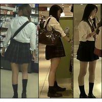 【新カメHD動画】制服娘逆さ撮りNo83