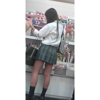 【新カメHD動画】制服娘逆さ撮りNo19(顔あり)