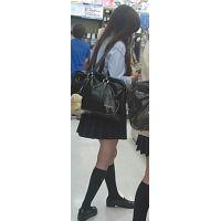 【新カメHD動画】制服娘逆さ撮りNo15(顔あり)