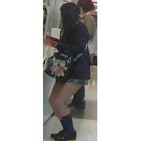 【新カメHD動画】制服娘逆さ撮りNo55(顔あり)