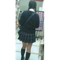 【新カメHD動画】制服娘逆さ撮りNo8(顔あり)
