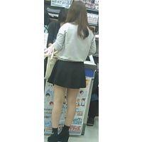 【新カメHD動画】カワイイ娘の生パンツ逆さ撮りNo45(顔あり)