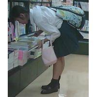 【新カメHD動画】制服娘逆さ撮りNo34(顔あり)