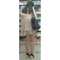 【新カメHD動画】カワイイ娘の生パンツ逆さ撮りNo43(顔あり)