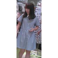 【新カメHD動画】カワイイ娘の生パンツ逆さ撮りNo32(顔あり)
