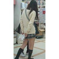 【新カメHD動画】制服娘逆さ撮りNo6(顔あり)