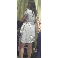 【新カメHD動画】カワイイ娘の生パンツ逆さ撮りNo37(顔あり)