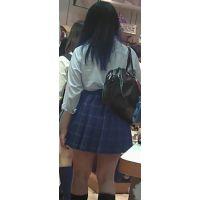 【新カメHD動画】制服娘逆さ撮りNo36(顔あり)