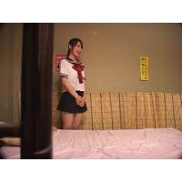回春マッサージで働く女子○生 01