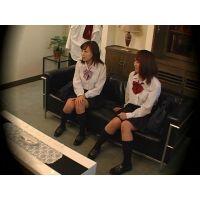 友達を売る制服少女 08
