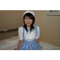 女子大生の水色の下着とファミレス制服(PIC-02)